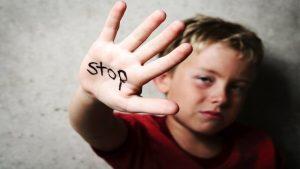 بزرگسالانی که د رکودکی اسیب دیده اند
